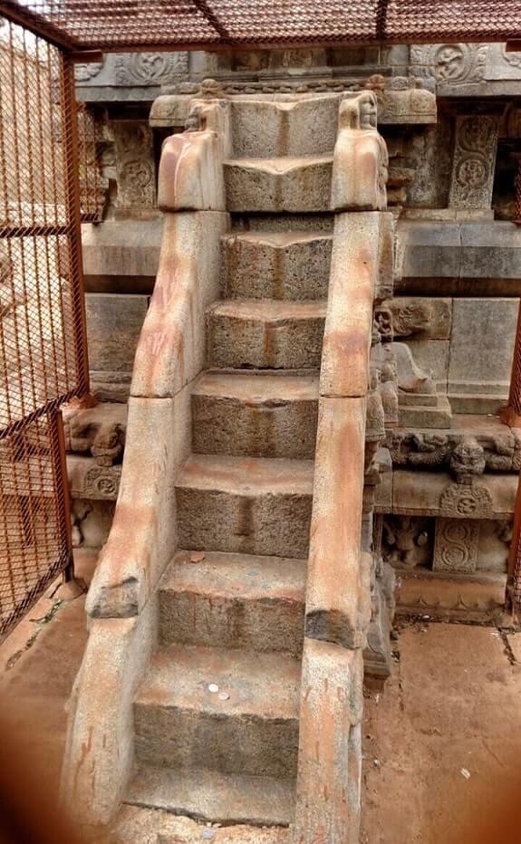 darasuram temple musical steps